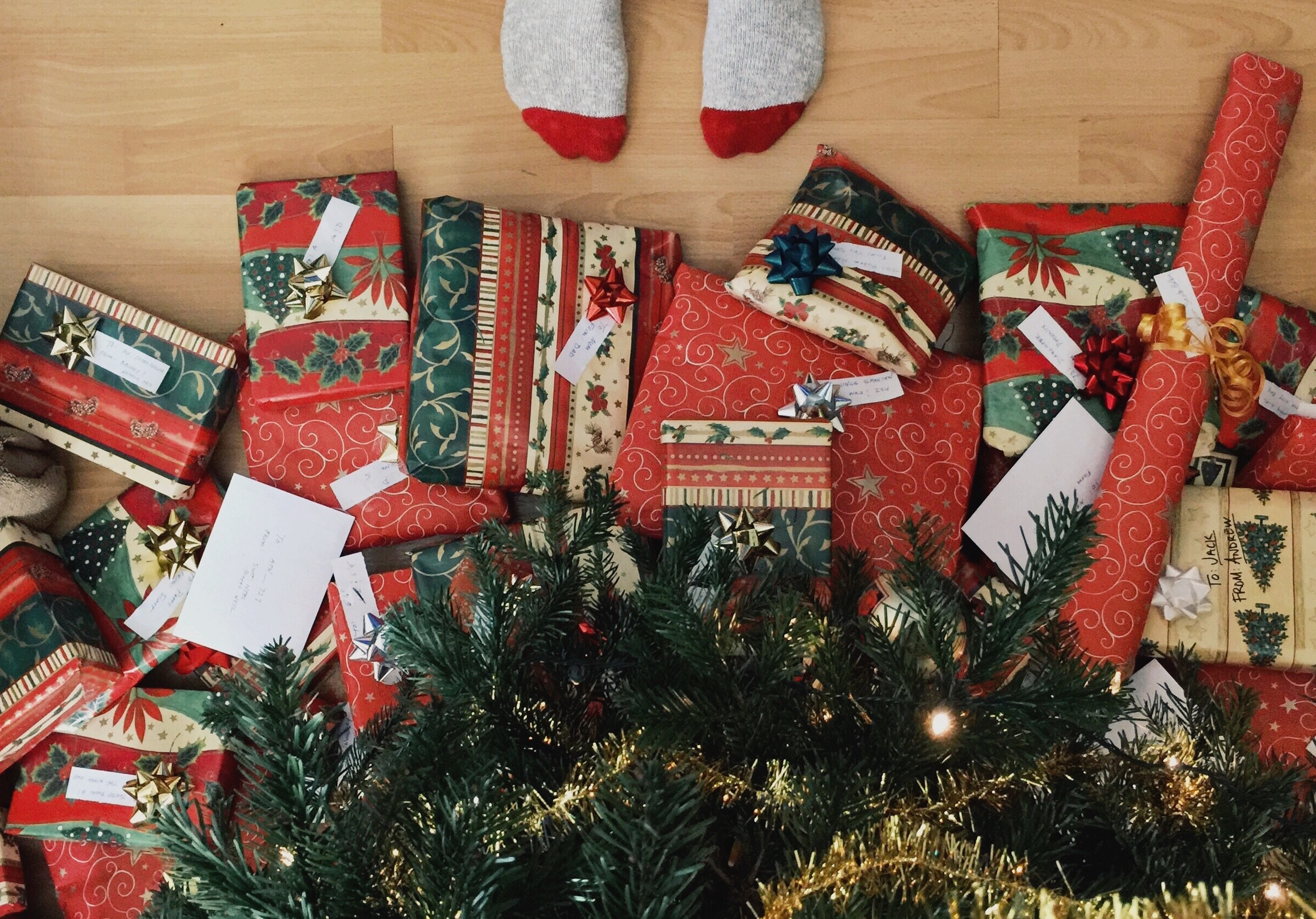 "Holiday ""Gifts that Give Back"" Guide 2016"